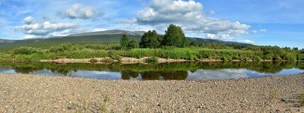 Panorama del río del norte protegido foto de archivo