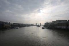 Panorama del río Támesis Imagen de archivo libre de regalías