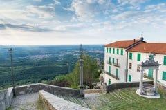 Panorama del Sacro Monte del sitio de la UNESCO de Varese, Italia foto de archivo