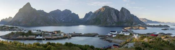 Panorama del supporto Olstind sull'isola di Lofoten Immagine Stock Libera da Diritti