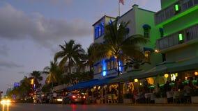Panorama del sur colorido 4k la Florida los E.E.U.U. de la impulsión del océano de la playa de Miami de la puesta del sol metrajes