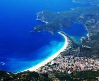 Panorama del tacchino blu del oludeniz della spiaggia e della laguna Fotografie Stock