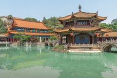 Panorama del templo de Yuantong Kunming, capital de Kunming de Yunnan imagenes de archivo