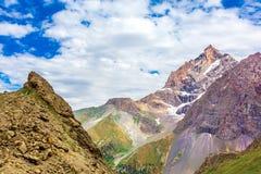 Panorama del terreno della montagna Fotografia Stock