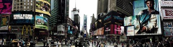 Panorama del Times Square occupato a New York immagine stock