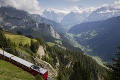 Panorama del tren expreso de Alpen Imágenes de archivo libres de regalías