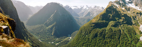 Panorama del valle de Arturo, pista de Milford imagenes de archivo