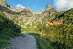 Panorama del valle en las montañas de Tatra, Eslovaquia, Europa del lago del pleso de Zelene Imagenes de archivo