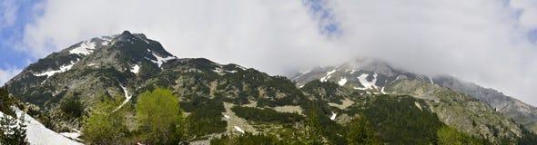 Panorama dell'alta montagna a tempo la mattina Immagine Stock