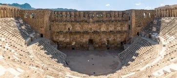 Panorama dell'anfiteatro di Aspendos, provincia di Adalia, Turchia Fotografia Stock Libera da Diritti