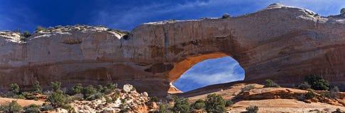 Panorama dell'arco del ` s di Wilson nell'Utah immagine stock