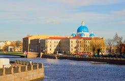 Panorama dell'argine di Neva di St Petersburg. Fotografie Stock Libere da Diritti