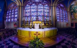 Panorama dell'interno del Notre Dame de Paris fotografia stock
