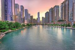 Panorama dell'orizzonte di Chicago con il tramonto, Chicago, U.S.A. fotografie stock