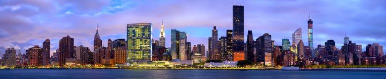 Panorama dell'orizzonte di Manhattan Fotografia Stock Libera da Diritti