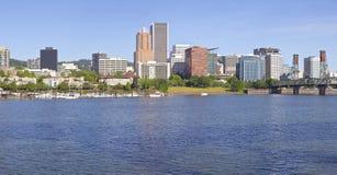 Panorama dell'orizzonte di Portland Oregon Immagine Stock