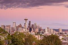 Panorama dell'orizzonte di Seattle al tramonto come visto da Kerry Park Immagini Stock Libere da Diritti