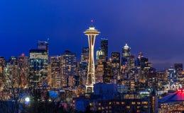 Panorama dell'orizzonte di Seattle al tramonto da Kerry Park a Seattle fotografia stock libera da diritti
