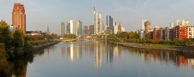 Panorama dell'orizzonte XXL di Francoforte Fotografia Stock