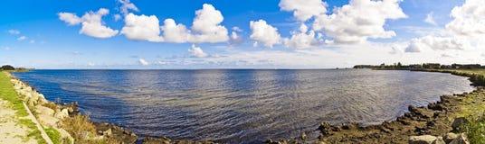 Panorama della baia del Mar Baltico - disco in Polonia immagini stock libere da diritti