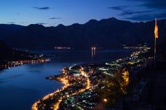 Panorama della baia di Cattaro con paesaggio della montagna visto dall'allerta Fotografie Stock Libere da Diritti