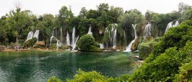 Panorama della cascata di Kravica in Bosnia-Erzegovina fotografie stock