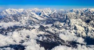 Panorama della catena montuosa dell'Himalaya Everest Immagini Stock
