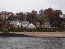 Panorama della città di Amburgo Vista del fiume Elba a Amburgo Fotografia Stock Libera da Diritti