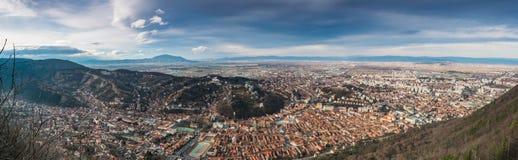 Panorama della città di Brasov, Romania immagini stock