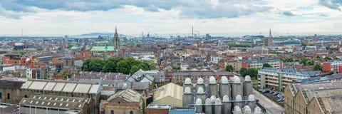 Panorama della città di Dublino, fabbrica di birra della birra nella priorità alta Irlanda Fotografia Stock Libera da Diritti