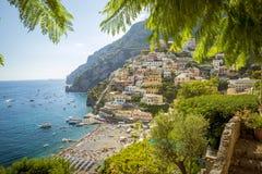 Panorama della città di Positano in Italia Fotografie Stock Libere da Diritti