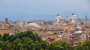 Panorama della città di Roma veduta da Castel San Angelo con Th Fotografie Stock Libere da Diritti