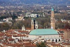 Panorama della città di Vicenza con la basilica Fotografia Stock