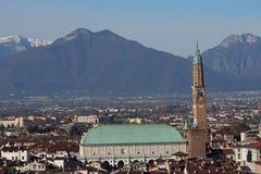 Panorama della città di Vicenza con la basilica Immagini Stock Libere da Diritti