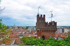 Panorama della città italiana di Udine Immagine Stock