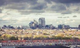 Panorama della città moderna di L'aia fotografie stock