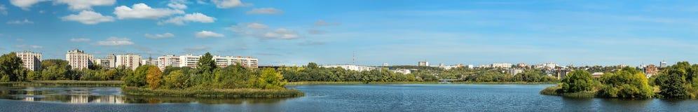 Panorama della città Ul'janovsk sulle banche del fiume Sviyaga Fotografia Stock Libera da Diritti