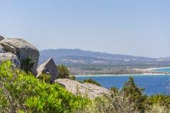 Panorama della costa vicino a Palau Sardegna, Italia fotografie stock