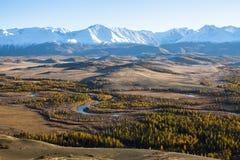 Panorama della cresta alle montagne di Altai, Siberia di Chuya Fotografia Stock