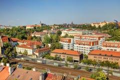 Panorama della foto di HDR di paesaggio urbano di Praga e fiume della Moldava in sole di pomeriggio, repubblica Ceca Foto presa a fotografia stock