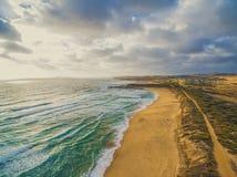 Panorama della linea costiera dell'oceano Fotografie Stock