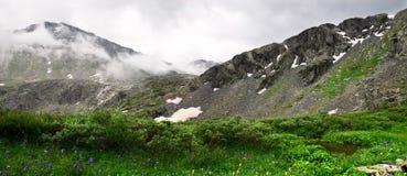 Panorama della montagna. fotografia stock libera da diritti