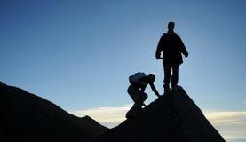 Panorama della montagna ad alba Fotografie Stock Libere da Diritti