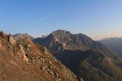 Panorama della montagna ad alba, alpi di Hohe Tauern, Austria Fotografia Stock Libera da Diritti