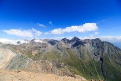 Panorama della montagna con la sommità Hocheicham ed il lago Eissee, alpi di Hohe Tauern, Austria Immagine Stock