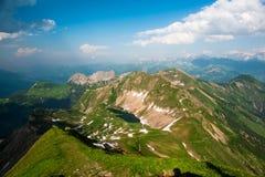 Panorama della montagna da Brienzer Rothorn Fotografie Stock Libere da Diritti
