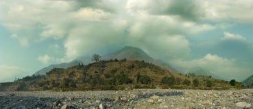 Panorama della montagna dell'Himalaya Immagini Stock Libere da Diritti