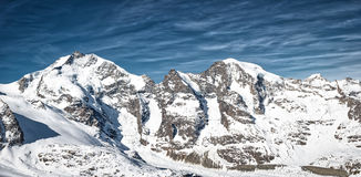 Panorama della montagna delle alpi Piz Bernina e Piz Morte di Rhaetian Fotografia Stock