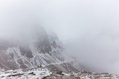 Panorama della montagna delle dolomia, Tre Cime Di Lavaredo Immagini Stock