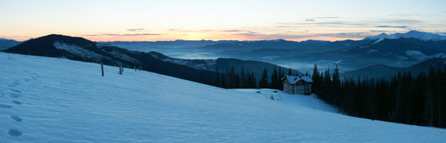 Panorama della montagna di alba Fotografia Stock